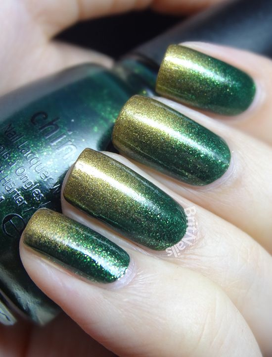 Brit Nails: Green and Gold Gradient