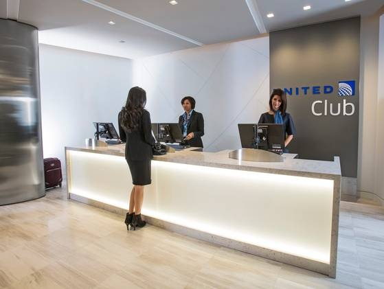 15 best airline clubs images on pinterest airport lounge family united airlines new united club lounge in terminal 2 at chicago ohare international colourmoves