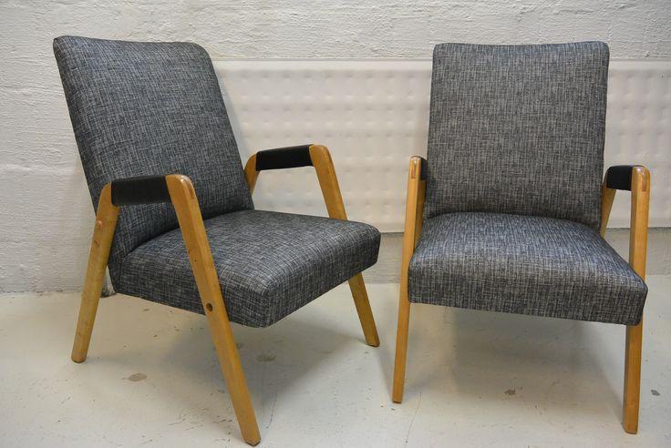 """OLLE FILÉN Nojatuoli, """"Figaro"""" Oy Stockmann Ab, Keravan Puusepäntehdas , pintakäsitelty ja pehmusteet uusittu, sekä verhoiltu uudella kankaalla , näihin kuuluu myös sohva, joka odottelee kunnostusta. MYYTY"""