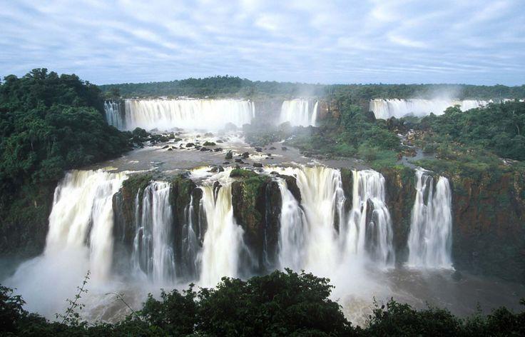 Iguaçu National Park, Paraná State, Brazil. Inscription in 1986. Criteria: (vii)(x)