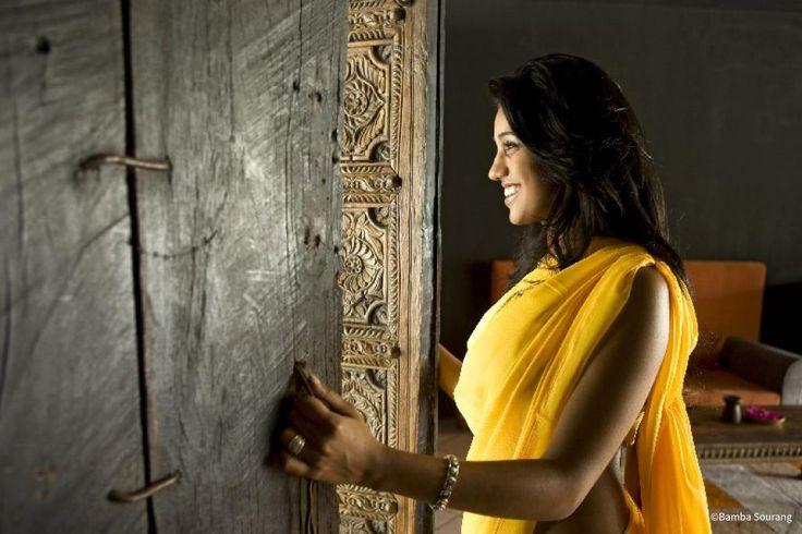 beforgo voyage ile maurice femme sourire sari jaune