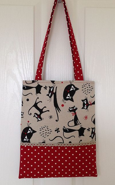Black cats tote bag