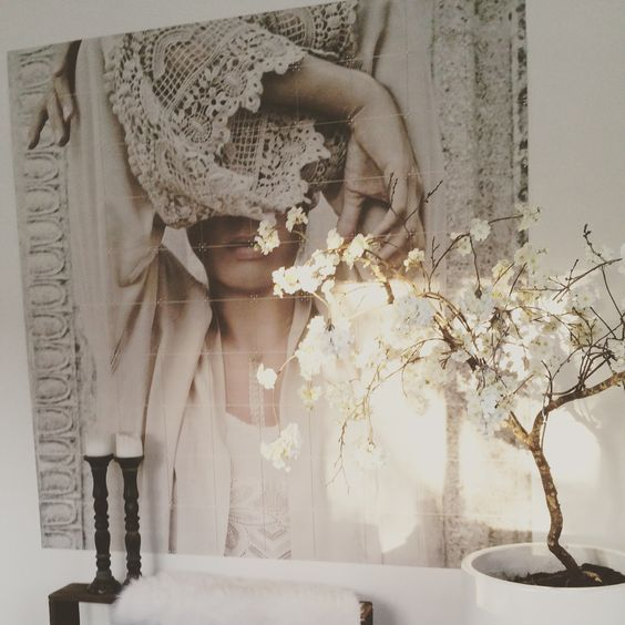 Discover our 17 wonder Wall Art ideas - A woman