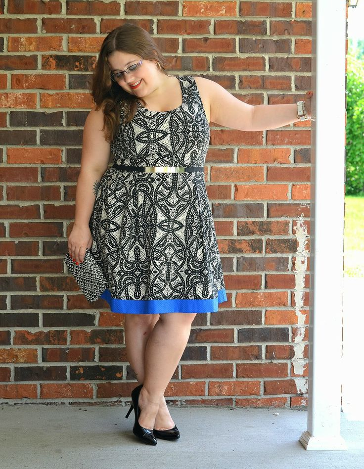 curvy and petite style, fit and flare dress http://stylecassentials.blogspot.com/2014/06/one-dress-two-ways.html