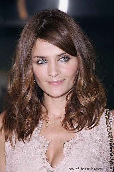 20 short haircuts for thick wavy hair - Hairstyle Fix