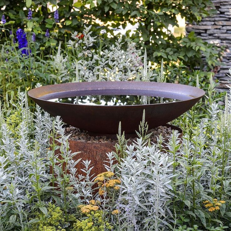 Charming 25+ Trending Bird Bath Garden Ideas On Pinterest | Hummingbird Bird Bath,  Rustic Bird Baths And Metal Bird Bath