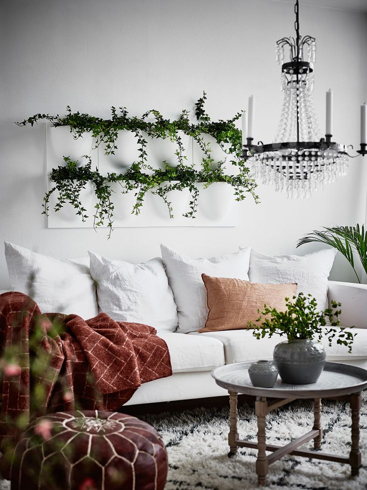 Pureté des lignes, simplicité dans la décoration, ce deux pièces présenté par Entrance et photographié par Anders Bergstedt cultive l'art du minimalisme à la suédoise. Aller à l'essentiel, ôter de not