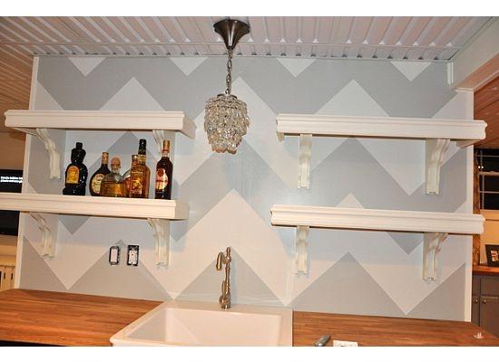 Chevron painted wall paper...ooh ooh ooh