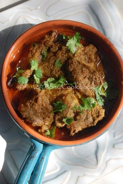 Bong Mom's CookBook: Mutton Korma/Mangshor Korma -- with coconut and cashew
