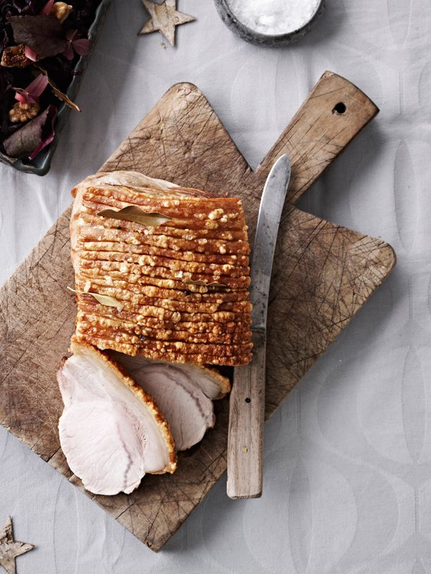 The recipe for cooking the perfect pork roast with crisp crackling for #Christmas dinner! #danishfood #danishchristmas