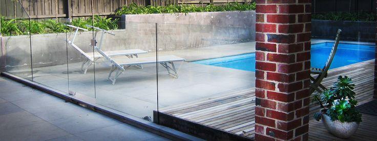 Pool glass fence