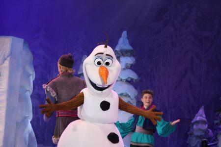 Espectáculo de Frozen. Disneyland Paris en invierno. Viajes con niños. Travelling with kids