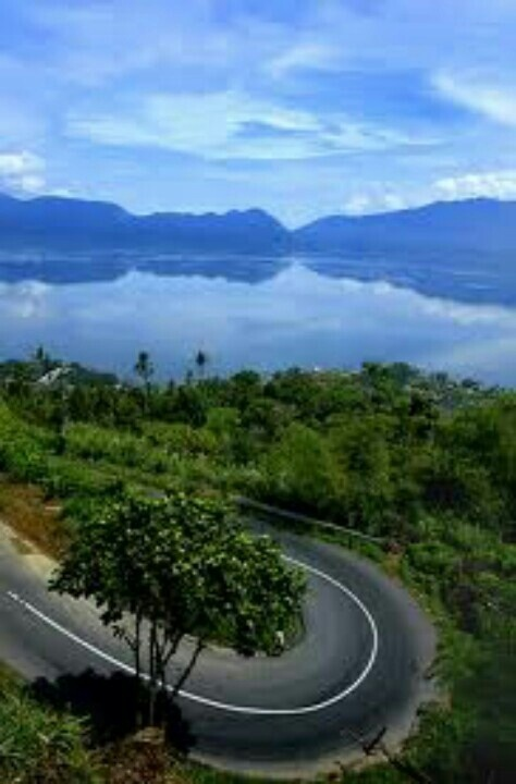Lake Maninjau, West Sumatera