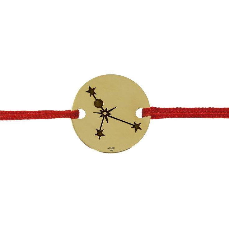 O bratara statement din aur cu banut gravat cu formatul Constelatiei Cancer sau Rac, poate fi un cadou deosebit pentru o persoana nascuta in aceasta zodie.
