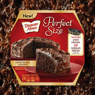 Duncan Hines® Perfect Size Chocolate Lover's Cake Duncan Hines® Perfect Size cakes are just the right size for 2 to 4 people.