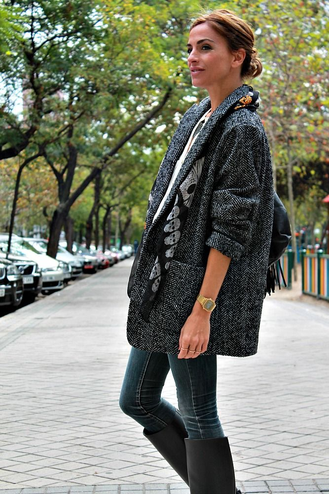 Chaqueta: Kate Moss for Mango nueva colección ; camisa: Zara ; pitillos: Mango old+ diy ; pañuelo: Zara nueva colección ;...