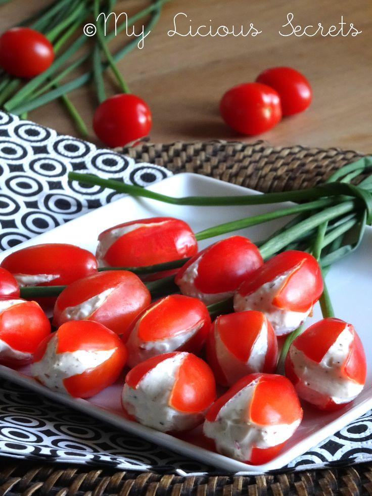 Tulip cherry tomatoes (Tulipes de tomates cerises au Kiri) - http://www.myliciousecrets.fr/2015/02/tulipes-de-tomates-cerises-au-kiri.html
