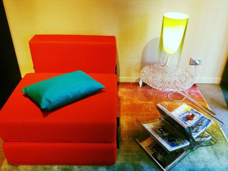 KARTELL'S Trix pouf/bed by Piero Lissoni + T-Table by Patricia Urquiola + Front Page + Toobe Lamp designed by Ferruccio Laviani