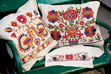 Magyar motivumokkal himzett párnák - Hungarian embroidery