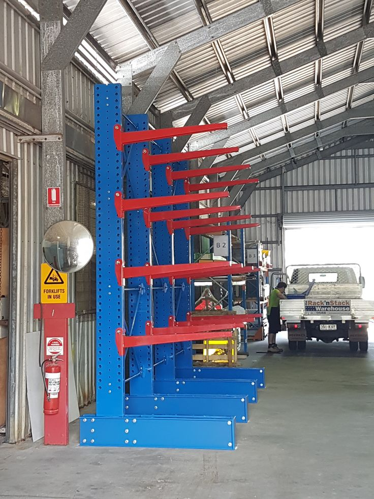 Perfect solution for storing that extra long awkward material such as frames, steel, lumber plywood, extrusions, pipe & tubing. #cantilever #racks #warehouse #storagesolution