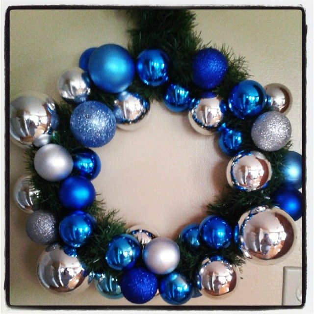 Pinterest win ! Ma couronne de Noel homemade 10$.