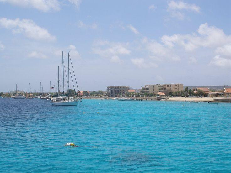 Bonaire: anchorage Catalina 47'