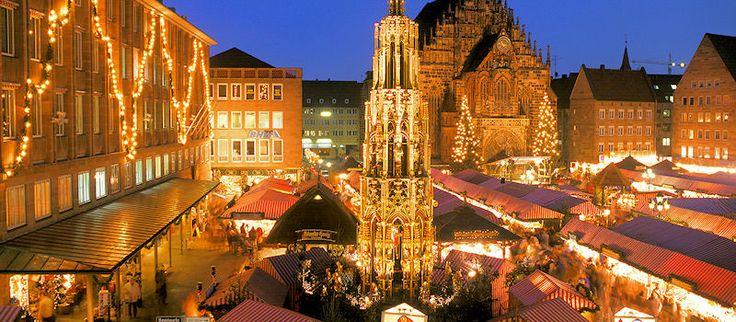 Einer der Schönsten weltweit... der Nürnberger Christkindlesmarkt! #Christkindlesmarkt #Weihnachtsmarkt #Nürnberg http://www.bayern.by/bilderbuchwinter