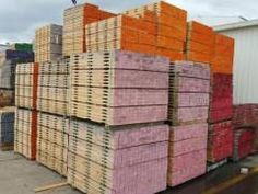 Looking a supplier that offers heat treated wooden crates for sale and pallets in different styles and measurements, while ensuring that your goods are protected during international shipment.