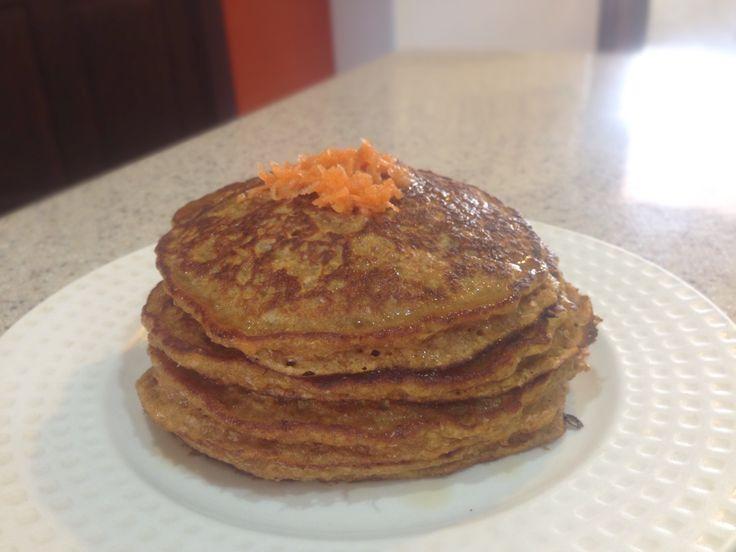 Whole wheat carrot pancakes  Panqueques integrales de zahanoria