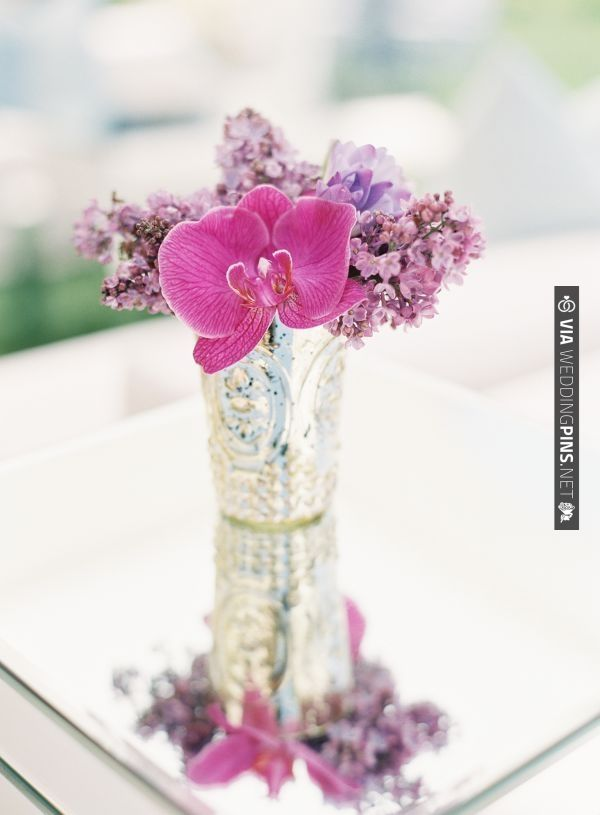 mercury vase floral arrangement | VIA #WEDDINGPINS.NET