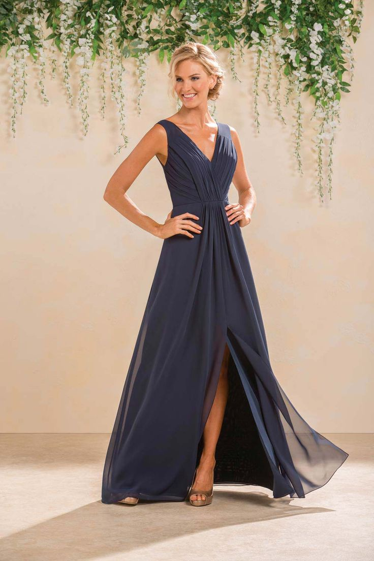 Blue bridesmaid dresses are great for beach weddings