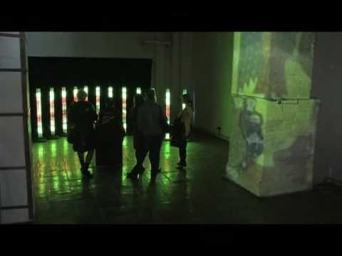 30 апреля в пространстве Чугунный пол Лофт Проекта ЭТАЖИ была проведена первая выставка медиа-инсталляций «Видеофабрика». Инсталляции «Видеофабрика» это не законченные предметы искусства, а скорее инструменты для создания своих собственных произведений, каждый из которых зритель сможет опробовать на себе.