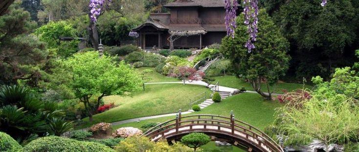 Bahçe Dekorasyonu & Fikirler  Bahçe dekorasyonu için fikirler arıyorsanız doğru adrestesiniz. Çoğumuz küçük veya büyük bir bahçeye sahibiz ve nasıl dekore edeceğimiz konusunda fikir arayışı içerisindeyiz. Evimizin arka kısmında huzur verici bir ortama sahip olmak için hangi parçalara ihtiyacımız olduğunu belirlemek zor olabiliyor.