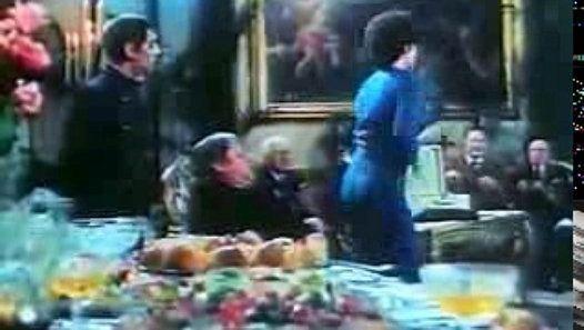 Vizionează filmul «Paolo Villaggio in terza fila - SECUNDO TEMPO» încărcat de Herbst Stefan pe Dailymotion.