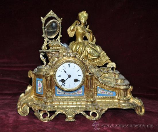 PRECIOSO RELOJ DE SOBREMESA DE CARGA MANUAL. EN BRONCE DORADO Y PORCELANA. SIGLO XIX: Relojes Pendulo Sobremesa, Reloj De Sobremesa, Watches, Precioso Reloj