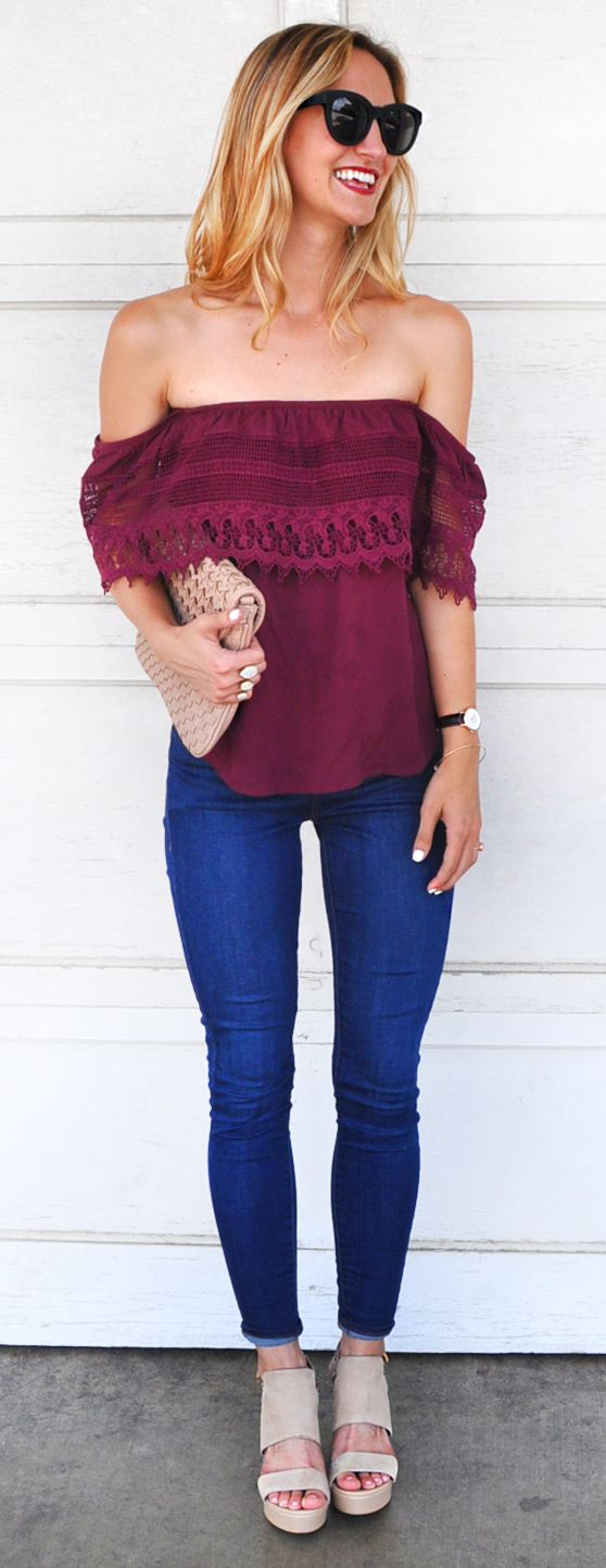 Off-the-shoulder tops are the perfect option for flawless date night style.