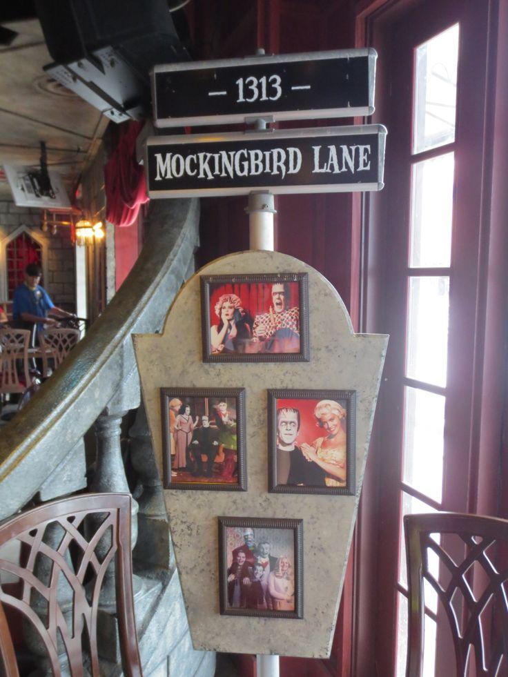 1313 Mockingbird Lane - The Munsters - Monster's Cafe - Universal Studios, Florida