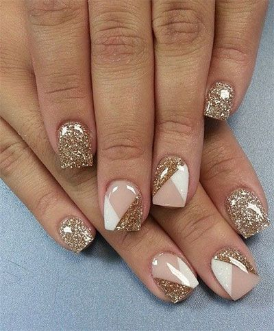 Nύχια με χρυσά στοιχεία...!!!   EimaiOmorfi.gr