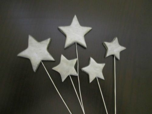 metallic-silver-edible-stars-on-wires-cake-fondant-decoration-toppers-handmade