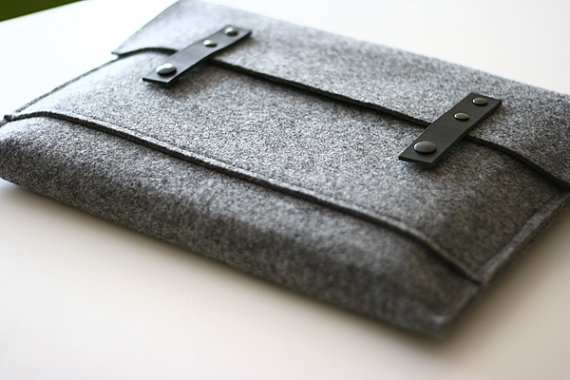 Macbook Pro Sleeve... Wool Felt + Leather