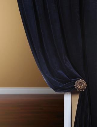 royal blue velvet drapes