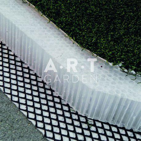 Plaque nid d'abeilles en polypropylène en support de gazon synthétique. Stocke l'eau pluviale puis facilite l'infiltration.