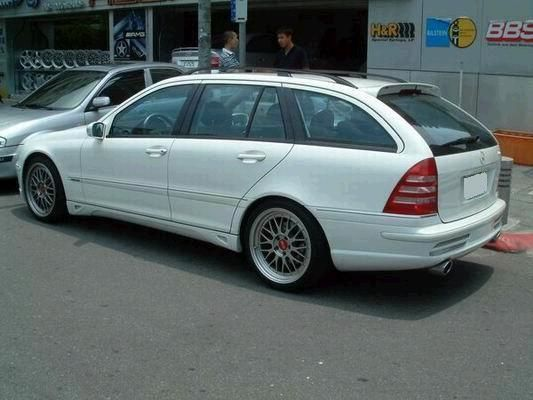 Rear diffuser mercedes w203 assembly cerca con google for Mercedes benz c30