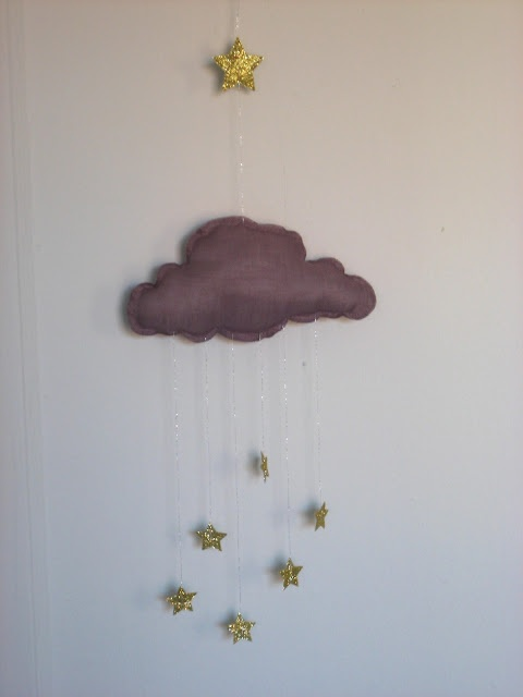 Stars and clouds #mobile #crafts #sewing #clouds #stars #gold #glitter