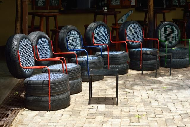 13 Pieces Of Furniture You Can Make Yourself Tire Furniture Cafe Furniture Summer Furniture
