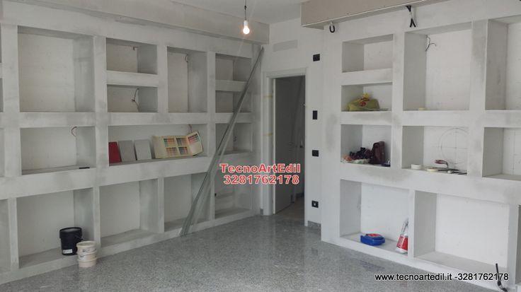 Foto realizata durante i lavori di Arredi in cartongesso a Milano,negozio di scarpe villasanta