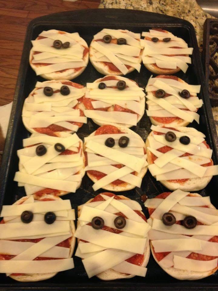 Mummy pizzas