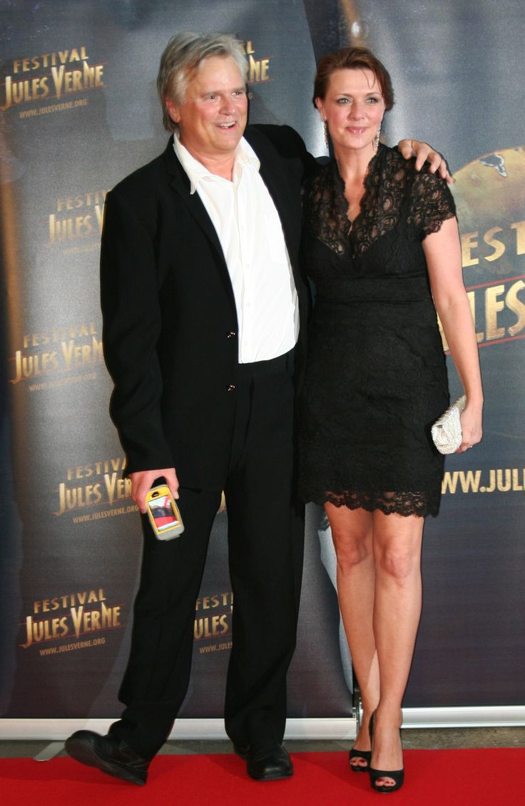 Amanda Tapping Husband