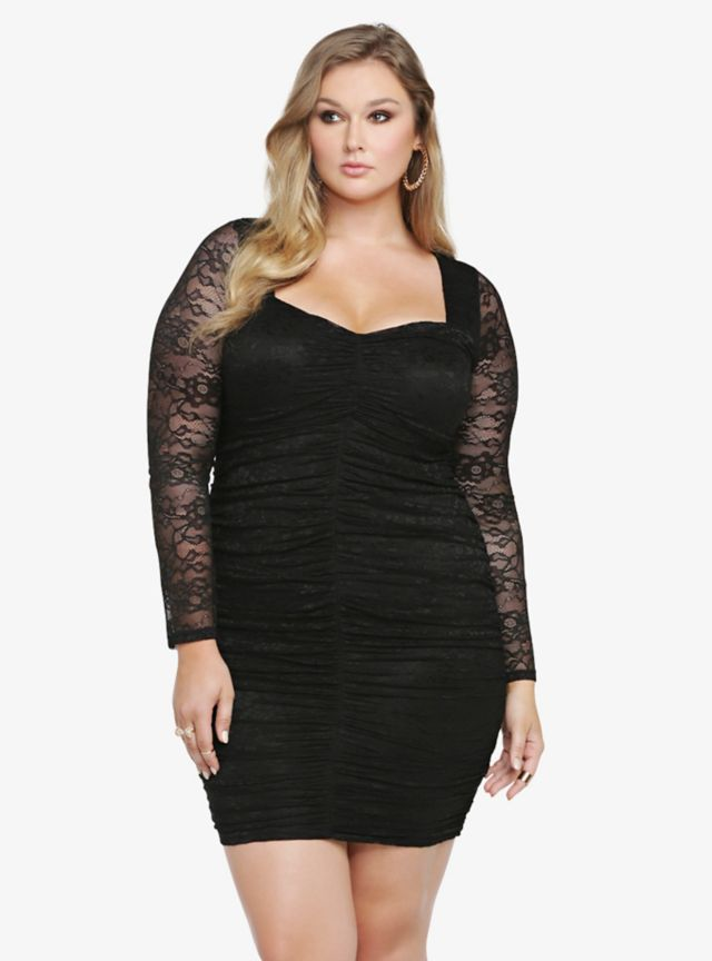 In an alluring allover lace look, this sexy LBD has a sweetheart neckline and an open back detail. With long see-through lace sleeves, the to-die-for black bodycon dress features flattering shirring around the fully-lined body.
