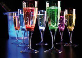 Lichtgevende led glazen; champagne, limonade en shotglazen in 7 verschillende kleuren.